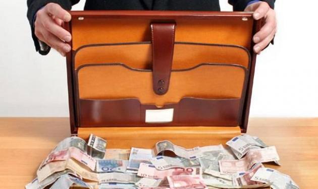 Δημοσιογράφοι, τραγουδιστές, ηθοποιοί στη λίστα των φοροφυγάδων | tlife.gr