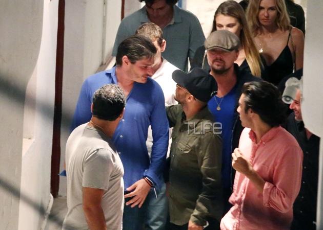 Leonardo Di Capriο: Έφαγε σε ταβέρνα στη Μύκονο μαζί με τη σύντροφό του! Βίντεο | tlife.gr