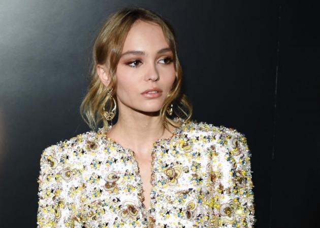H Lily Rose Depp έκανε στα νύχια της το επόμενο μεγάλο trend λέει η Vogue | tlife.gr