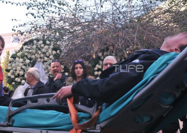 Κηδεία Παντελή Παντελίδη: Λιποθυμίες κι ασθενοφόρα – Συντετριμμένοι συγγενείς και φίλοι! | tlife.gr