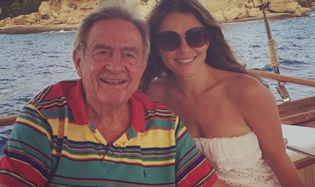 Elizabeth Hurley: «Η ψεύτικη βασίλισσα κάνει κρουαζιέρα με τον πραγματικό βασιλιά στην Ελλάδα» | tlife.gr