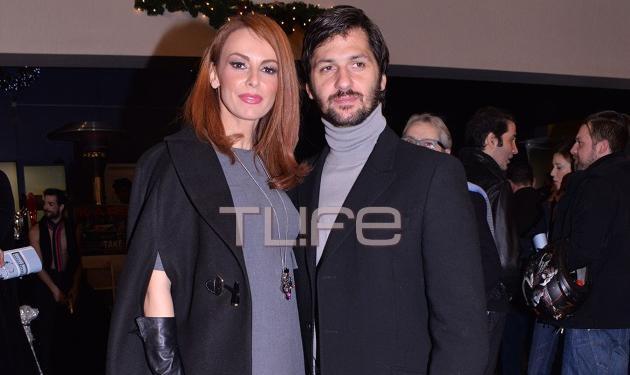 Μπέτυ Μαγγίρα: Στην πρεμιέρα της ταινίας της με τον σύζυγό της στο πλάι της – Φωτογραφίες   tlife.gr