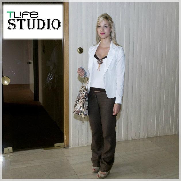 1 | Η αναγνώστρια όπως ήρθε στο studio
