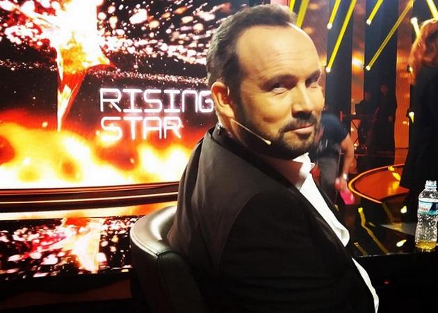 Κώστας Μακεδόνας: Ο κριτής του Rising Star ανοίγει το album με τις παιδικές του φωτογραφίες | tlife.gr