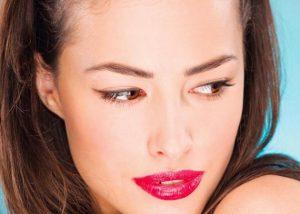 Πώς να κάνεις το μακιγιάζ σου να μην… λιώνει στη ζέστη!