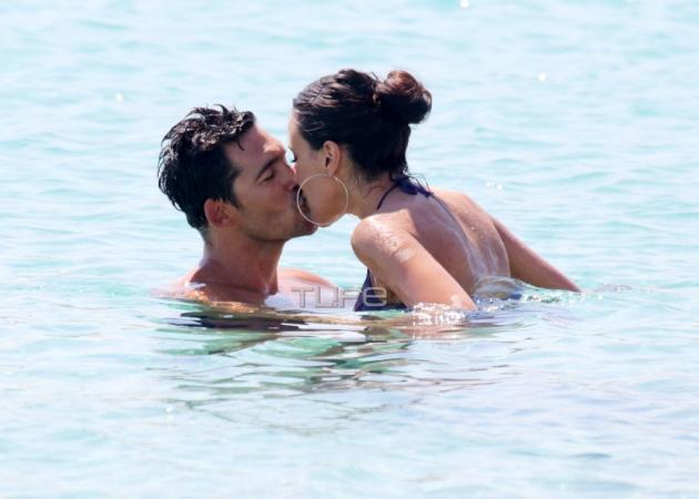 """Μαλού Κυριακοπούλου: """"Καυτά"""" φιλιά και αγκαλιές με το αγόρι της στην παραλία! Φωτογραφίες"""