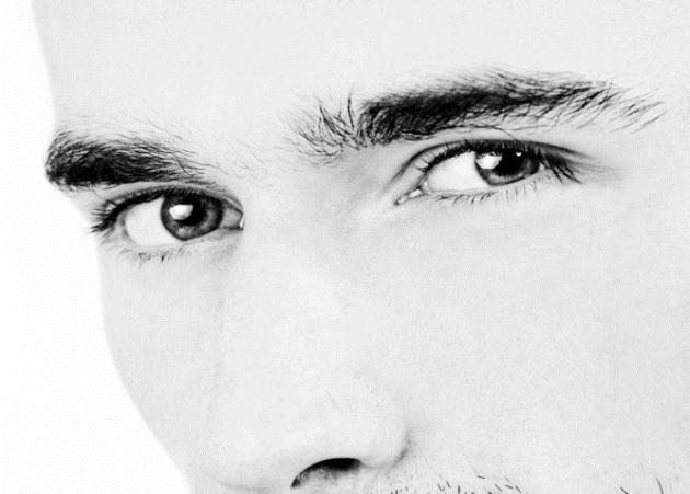 Θανάσης: «Θα ήθελα να ακούσω κάποιες γυναικείες απόψεις αν γίνεται…» | tlife.gr