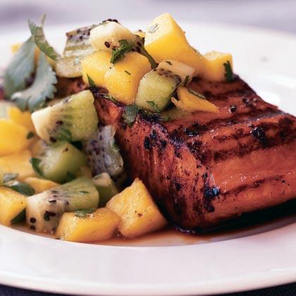 Μαριναρισμένο φιλέτο σολομού με μάνγκο και ακτινίδιο | tlife.gr