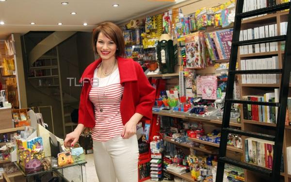Κ. Μάντζιου: Από ηθοποιός… βιβλιοπώλης! Φωτογραφίες από τα εγκαίνια του μαγαζιού   tlife.gr