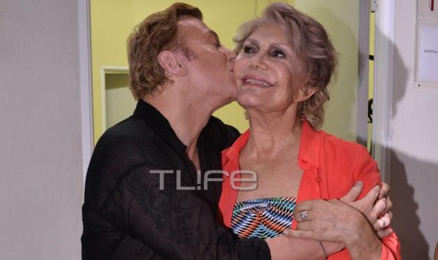Το φιλί του Τάκη Ζαχαράτου στη Μαρινέλλα! | tlife.gr