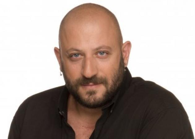 Ο Γ. Μαρκετάκης άνοιξε σχολή μακιγιάζ! Κάνω εγγραφή τώρα!   tlife.gr