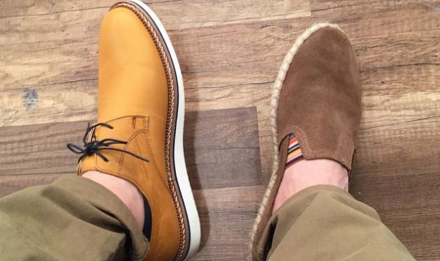 Ποιος Έλληνας παρουσιαστής φόρεσε δυο διαφορετικά παπούτσια;