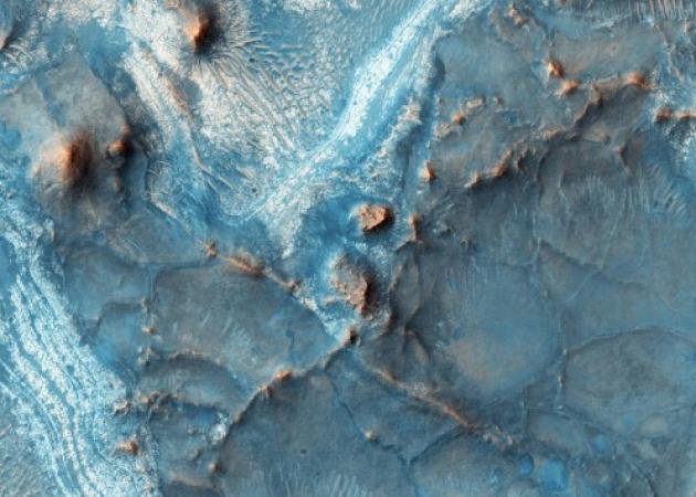 Σε αυτό το σημείο ο πλανήτης Άρης είναι… μπλε! Εκπληκτική φωτογραφία της NASA!