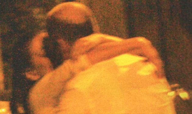 Δ. Ματσούκα – Γ. Φιξ: Τρυφερές αγκαλιές σε βραδινή έξοδο! | tlife.gr