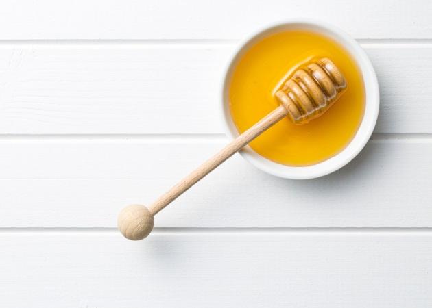 Μέλι: Γιατί δεν πρέπει να το τρώνε τα μωρά; Ο Δρ. Σπύρος Μαζάνης σου εξηγεί τους λόγους