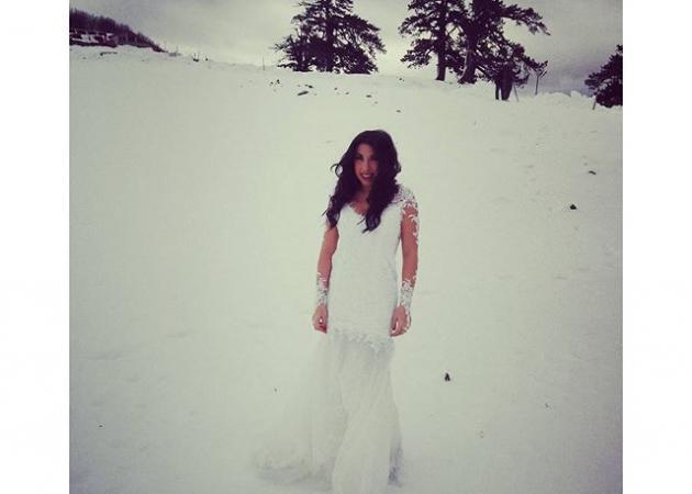 Μελίνα Μακρή: Με το αραχνοΰφαντο νυφικό της στα χιόνια! Φωτογρφαφίες | tlife.gr