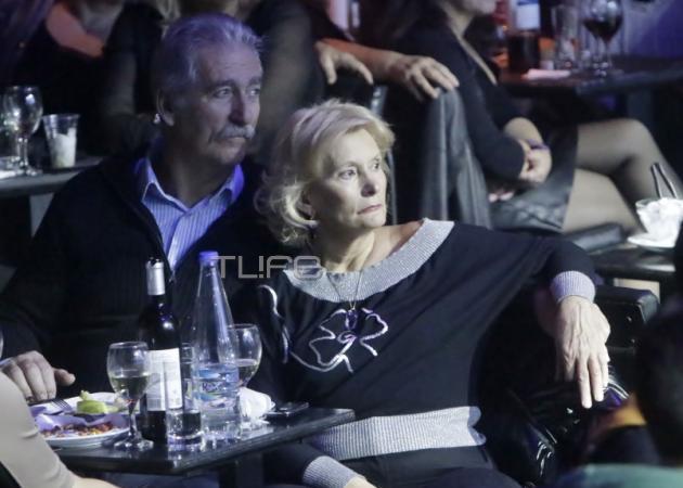 Ελένη Μενεγάκη: Στα μπουζούκια η μητέρα της Ζέτα με τον Στέλιο Μισόκαλο!