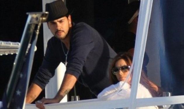 E. Longoria: βόλτα στο Μαϊάμι με το νέο της αμόρε! | tlife.gr