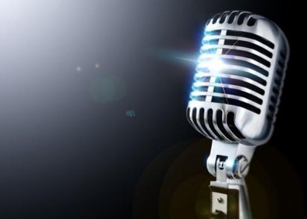 Ελληνίδα τραγουδίστρια στο στούντιο με πυρετό! Τι έπαθε;