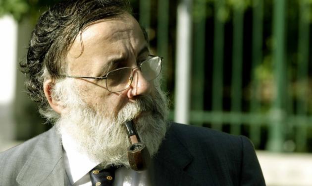 Στ. Κραουνάκης – Θ. Μικρούτσικος: Κατά της απαγόρευσης του καπνίσματος!