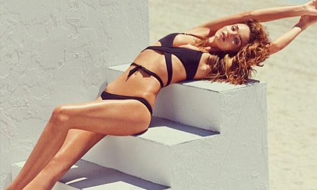 Miranda Kerr: Ανεβάζει ακόμη περισσότερο τη θερμοκρασία στις παραλίες!