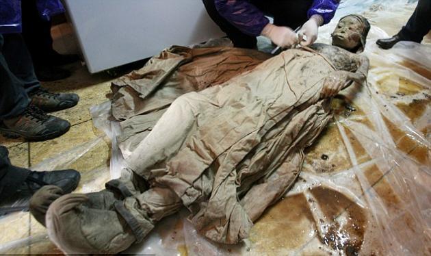 Βρέθηκε μούμια 700 ετών! Άθικτο το πρόσωπο και τα ρούχα της!