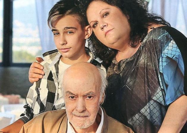 Ο γιος του Ανδρέα Μπάρκουλη, Νίκος, μεγάλωσε και πάει φαντάρος! | tlife.gr