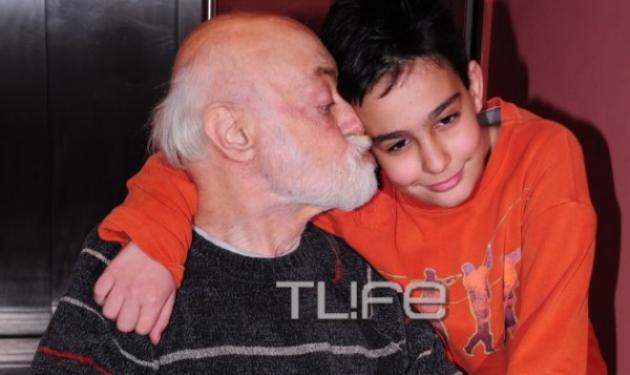 Συγκίνησε με τα λόγια του ο γιος του Ανδρέα Μπάρκουλη | tlife.gr