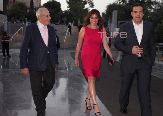 Αλέξης Τσίπρας – Κυριάκος Μητσοτάκης: Στο Μουσείο της Ακρόπολης με τις εντυπωσιακές συζύγους τους για το πολυαναμενόμενο δείπνο! | tlife.gr