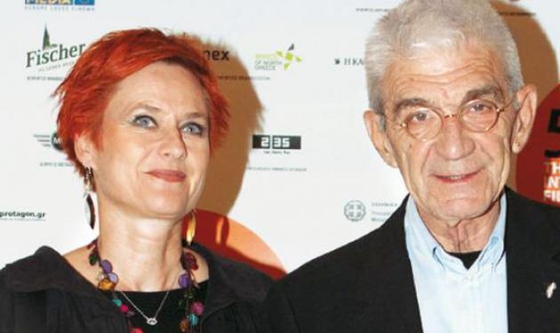 Γιάννης Μπουτάρης: Η επανεκλογή του, τα 50 χρόνια αφοσίωσης στη γυναίκα του και η Βιεννέζα σύντροφός του!