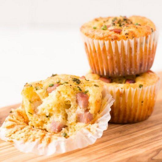 Αλμυρά muffin με ζαμπόν   tlife.gr