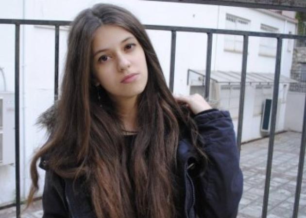 """Νεκταρία Αναστασοπούλου: Η 18χρονη που """"λύγισε"""" το ίντερνετ και έγινε viral"""