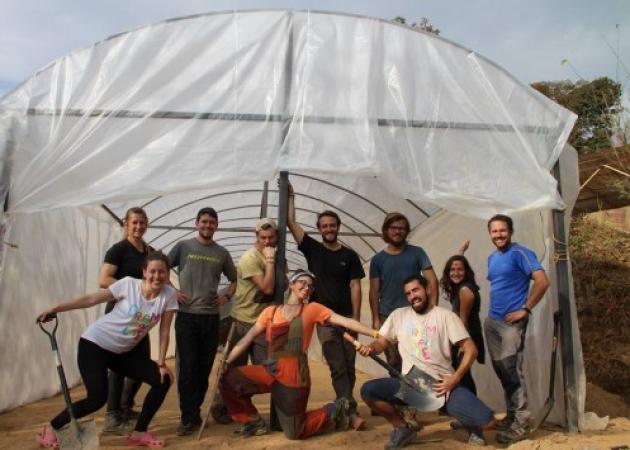 Απίστευτη ιστορία! Zευγάρι Ελλήνων δημιουργεί επιχείρηση σε χωριό του Νεπάλ | tlife.gr