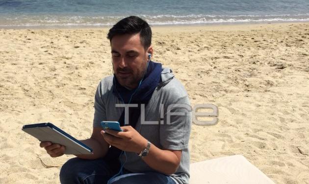 Χρήστος Νέζος: Γιατί δουλεύει σαν τρελός στην παραλία της Μυκόνου; Φωτογραφίες