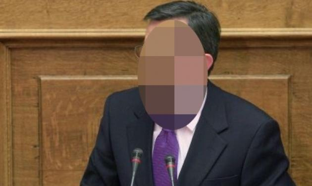 Ποιος Έλληνας βουλευτής δημοσίευσε φωτογραφία της μητέρας του στο φέρετρο;