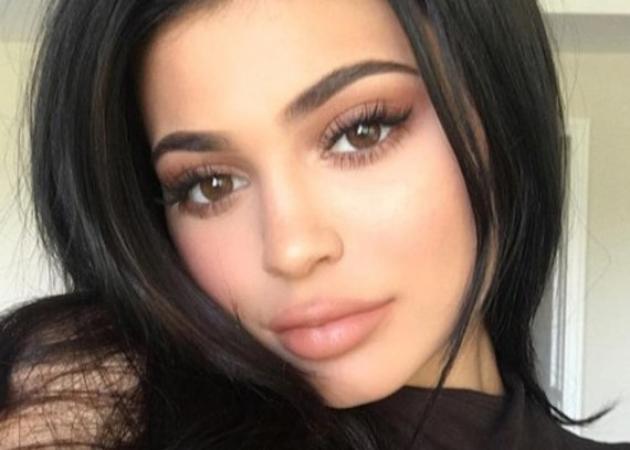 Αυτή είναι η νέα συλλογή της Kylie Jenner για τον Αγ. Βαλεντίνο!