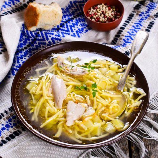 Κοτόσουπα με noodles | tlife.gr
