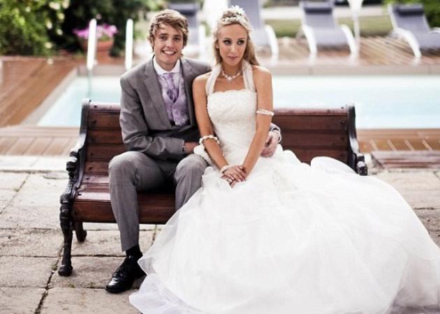 Έβαλε 9 διαφορετικά νυφικά στο γάμο της! Δες φωτογραφίες | tlife.gr