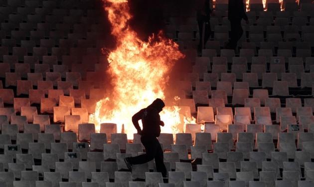 Τραγικός απολογισμός των επεισοδίων στο ΟΑΚΑ – Εικόνες ντροπής κάνουν το γύρο του κόσμου | tlife.gr