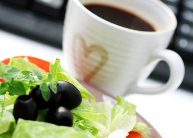 """Όλη μέρα """"τρέχεις""""; Η δίαιτα που προσαρμόζεται στα ωράριό σου."""