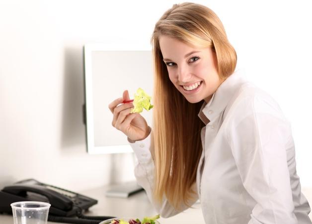 Μυστικά για σωστή διατροφή στο γραφείο