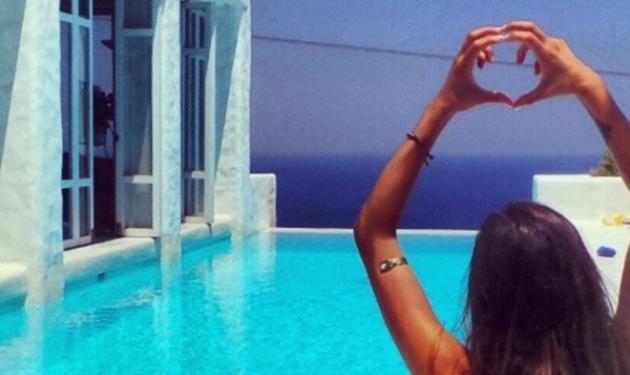 Όλγα Φαρμάκη: Ερωτευμένη στη Σίφνο! Φωτογραφίες | tlife.gr