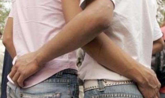 Αντιδρούν οι ομοφυλόφιλοι στα πρόστιμα του ΕΣΡ | tlife.gr