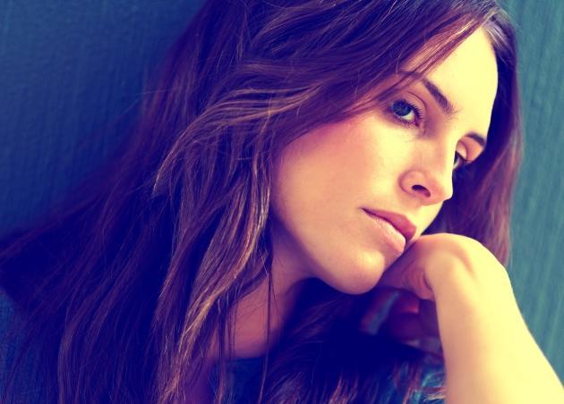 Νεύρα, περιττά κιλά, ερωτική διάθεση… Για όλα φταίνε οι ορμόνες; | tlife.gr