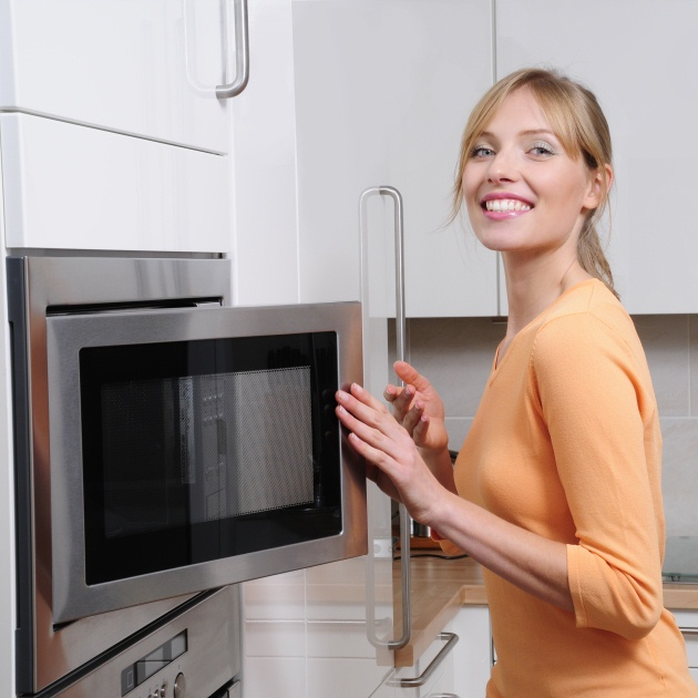 Τι μπορείς να κάνεις για να μην πετάγονται λάδια όταν ψήνεις στο φούρνο;