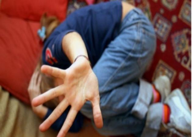 Μητέρα κακοποιούσε με τον σύντροφό της τον 9χρονο γιο της – Η συγκλονιστική κατάθεση του μικρού αγοριού | tlife.gr