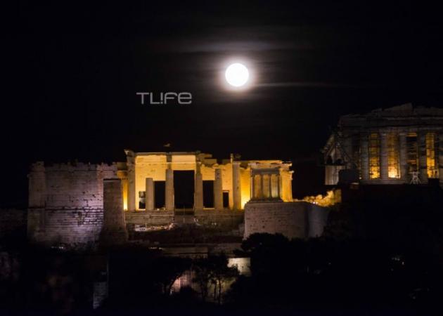 Supermoon: Το φεγγάρι που μάγεψε τον πλανήτη – Εντυπωσιακές εικόνες από την Ακρόπολη [pics] | tlife.gr