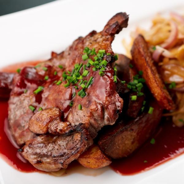 7 | Πανσέτα με κρέμα λάχανου με μπέικον και πατάτες κροκάν