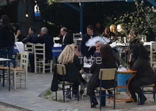 Κηδεία Παντελίδη: Μοίρασαν μπομπονιέρες στον καφέ! Φωτογραφίες