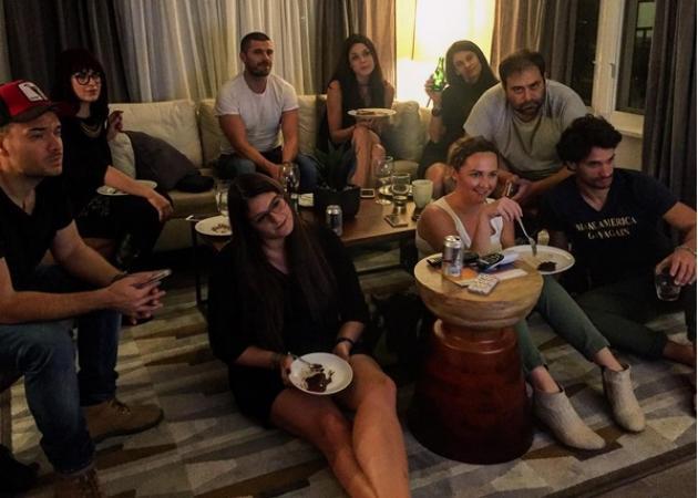 Παπακαλιάτης – Τριανταφυλλίδου – Βλάχος και άλλοι Έλληνες ξενύχτησαν στην Καλιφόρνια για τις Αμερικανικές εκλογές!
